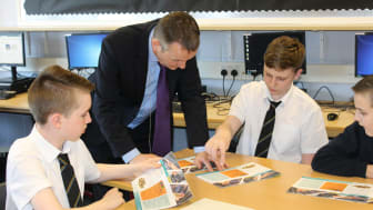 CSEF Schools Liaison Officer Michael Fitzgerald with S3 pupils at Springburn Academy in North Glasgow