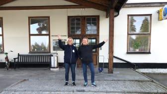 Marita Gullberg och Anneli Ottenby, personal på Skyddsvärnet Secondhand. Foto: Skyddsvärnet