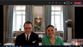 Kommunstyrelsens ordförande Kristina Lundberg berättar om pandemins effekter på Sunne för Kronprinsessan Victoria och Prins Daniel i ett videosamtal idag.
