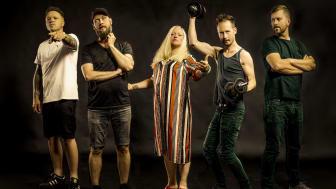 VET HUT - Med Munnen Full Av Hat - efterlängtat debutalbum
