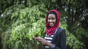 Swedfund investerar för kvinnors hälsa och egenvård i Östafrika