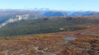 Målet med undersøkelsen var å få et øyeblikksbilde av kjemisk vannkvalitet i Norge og hvordan den har endret seg siden forrige gang i 1995. (Foto: Frida Eklund / Helitrans)