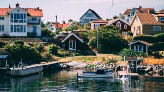 Kommentar till Svensk Mäklarstatistik: Nedåt för bostadsrätter, uppåt för villor under minskad försäljning