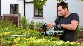 Nya klimatsmarta batteridrivna häcksaxar för en praktfull häck