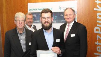 Preisträger Jan-Henrik Zünkler mit Prof.Dr.-Ing. Joachim Böcker, Juryvorsitzender Klaus Meyer und Westfalen Weser Energie-Geschäftsführer Dr. Stephan Nahrath