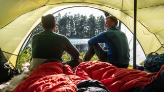 Med teltet i sekken velger du selv utsikten du vil våkne til. Men hva slags telt bør du velge? Foto: Bergans / Hans Kristian Krogh Hanssen