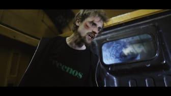 Screenshot fra Asger B's nye musikvideo 'Syg industri' 2