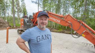 Lill-Pär Höglund driver Lill-Pärs Schakt AB och vet vad han vill.
