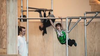 Oslo Parkour får støtte til å lage gratis tilgjengelige videoer hvor barn og unge kan lære teknikker og bevegelsesmåter, og inspireres til fysisk aktivitet. (Foto: Antero Hein)