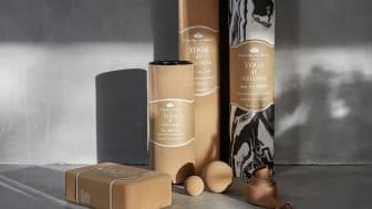 Produkter på bildet: Yogablokk Cork, 99,90 kr. Foam roller Cork, 149 kr. Yogamatte Cork, 299 kr. Yogamatte Marbled, 199 kr. Massasjeballer Cork 2-pk, 99,90 kr. Yoga strap, 39,90 kr.