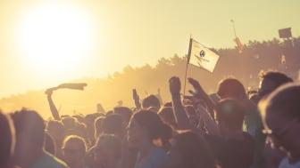 """""""Ein Festival ist pure Emotion – es euphorisiert und verbindet Menschen."""" (Anna Kuhn, VCA) - Fotocredit: Hinrich Carstensen für Viva con Agua"""