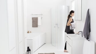 Kylpyhuoneeseen on mukava lisätä joulutunnelmaa, kun se on ensin siistitty puhtaaksi.