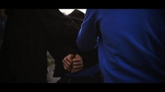 Screenshot fra Asger B's nye musikvideo 'Syg industri' 5