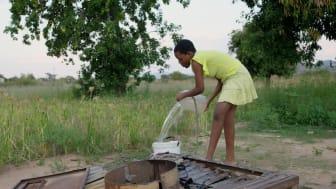 Kimberley hämtar vatten