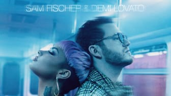 """This City""-stjärnan Sam Fischer släpper singeln ""What Other People Say"" med Demi Lovato idag"