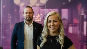 Inke Salonaho toimii myynnin johtavan palvelutalon, Bookersin toimitusjohtajana. Kuvassa taka-alalla Jukka Rautiainen. Kuva: Robert Lindström