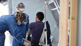 B-roll - Läkare Utan Gränsers klinik utanför Morialägret på den grekiska ön Lesbos.