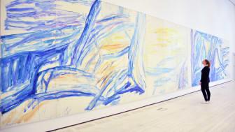 """Verket """"Hyllning till Stravinsky"""" av Bengt Olson. Det 16 meter långa och 3 meter höga verket visas på Kristinehamns konstmuseum i sommar."""