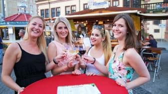 Gute Stimmung beim Weinfest in Leipzig