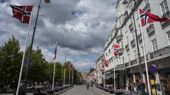 Mens paradegaten Karl Johan var synlig tynnere befolket enn normalt 17. mai, var det full aktivitet på nettet. Foto: Martin Fjellanger.