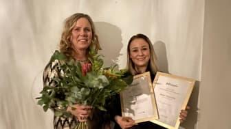 Butiksmedarbetare Lena Johansson tillsammans med Sanne Vennström, ägare av butiken Jeansgruvan.