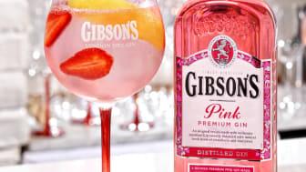 En Gin & Tonic med en twist; Gibson´s Pink Gin + Yuzu Tonic och jordgubbar
