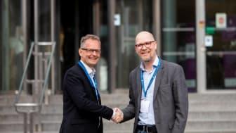 Mats Jackson, programchef för SPARK på Jönköping University och Joakim Brobäck, VD för Träcentrum, Nässjö.