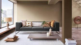 Flexa Kleur van het Jaar 2021 Brave Ground is een warme naturelle neutrale kleur die andere kleuren laat stralen en zorgt voor een stevige basis. Rondom Brave Ground zijn paletten gemaakt met kleuren die gemakkelijk zijn toe te passen.