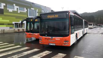 54 Gelenkbusse, 50 Solobusse und 21 Niederflurfahrzeuge - alle betrieben mit Biogas - verstärken die ÖPNV-Flotte der Stadt Bergen (Foto: MAN)