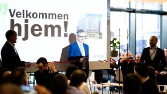 Michael Jacobs adm. dir. i Atea ønsker ansatte velkommen til HasleLinje og et av Europas smarteste bygg.
