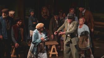 """""""Pappersvalsen"""" en publiksuccé - ger extraföreställning 6 juli"""