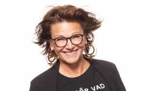 """Stort intresse och extraföreställning insatt när Katrin Sundberg firar 40 år på scenen med Sverigeturné för soloföreställningen """"Jag gör vad fan jag vill""""!"""