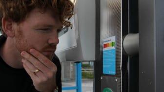 Miljödeklaration på ett av Kraftringens tankställen för biogas i Lund. Bild: Alfred Andersson/Gröna Bilister