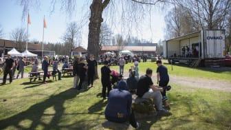 Bild från SödraViken-dagen och scenen där Plöj-Ingaz spelade.