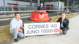 Cornes AG Corporation, Lely-distributøren i Japan, installerte Juno fôrskyver nr. 10.000.