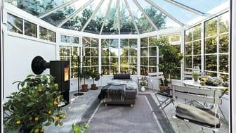 Växthuset är en plats där du kan odla både dig själv, dina vänner och dina favoritväxter.