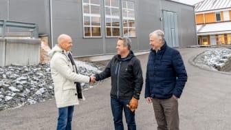 Jonas Sörensson från Solör Bioenergi, samt Magnus Strand och Sven Strand från MS Strand AB. Foto: Mattias Björlevik