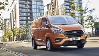 Ford lanserar ny Transit Custom med ny design och interiör för det ideala mobila kontoret