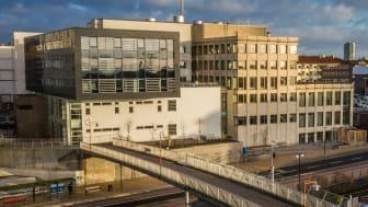 Polisen 5, Helsingborgs tingsrätt. Tillbyggnad certifierad enligt Miljöbyggnad Guld och befintliga lokaler certifierade enligt Miljöbyggnad Silver efter ombyggnad.
