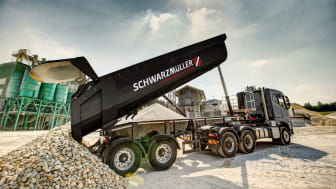 Schwarzmüller supplies all trailers ex works with telematics from idem telematics. All construction vehicles are also equipped with Schwarzmüller Intelligent Telematics. The range of sensors can be individually enhanced. (Schwarzmüller)