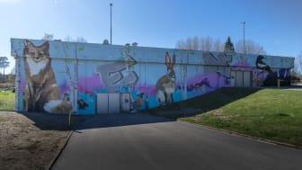 Botkyrkabyggens garage på Harbrovägen 2 i Storvreten, nymålat av Graffitisthlm