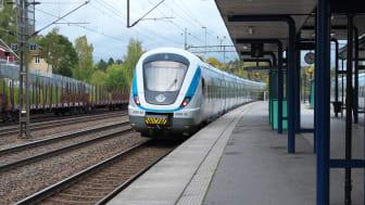 """""""2019 hade antalet merförseningsminuter i SL-området orsakade av infrastrukturrelaterade fel minskat med nästan 40 procent. Detta arbetssätt bör omedelbart rullas ut i hela järnvägsnätet"""". Foto: Malin Larsson"""