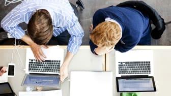 Mer än hälften av de som fått jobb efter en YH-examen har anställts på den arbetsplats där de gjort sin LIA. Foto: Scandinav