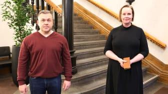 Oppositionsråd Fredrik Nordström (S) och kommunalråd Ylva Petterson (M).