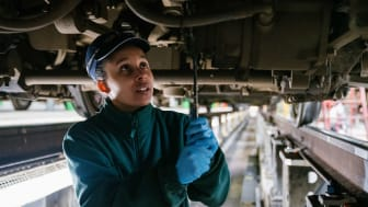 Apprentice Engineer Twinkle Clarke gets to grips with a Southern train