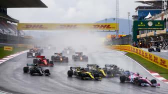 DHL og Formula 1® fornyer deres flerårige partnerskabsaftale lige før starten på den nye sæson