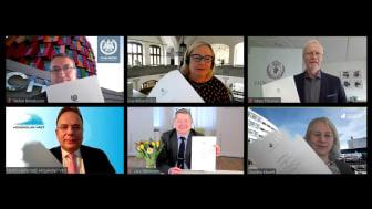 Övre raden: Stefan Bengtsson (rektor Chalmers), Eva Wiberg (rektor GU), Mats Tinnsten (rektor Högskolan i Borås). Nedre raden: Martin Hellström (rektor Högskolan Väst), Lars Niklasson (rektor Högskolan i Skövde), Agneta Marell (rektor JU)