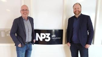 Niklas Brander, affärsansvarig NP3 Fastigheter Umeå tillsammans med David Jäde, Service Manager, Acon.