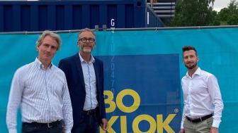 På bilden: Erik Selin, styrelseordförande K-Fastigheter, Niclas Bagler, chef BoKlok Sverige och Jacob Karlsson, VD K-Fastigheter