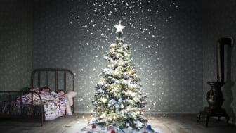 Ensam julgran söker klappar på Clarion Hotel Sign